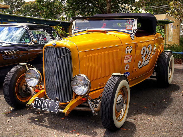 32 Ford HiBoy Roadster old car