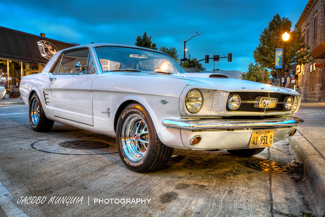 1965 Mustang 289 muscle car