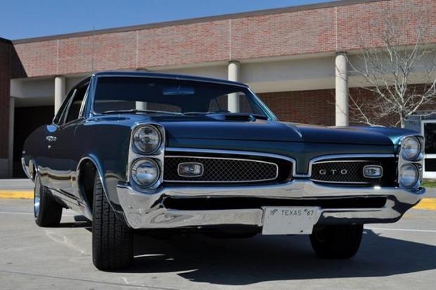 1967 GTO muscle car