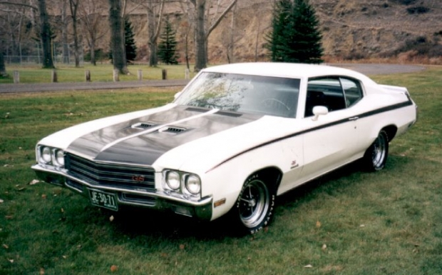 71 Buick GS muscle car