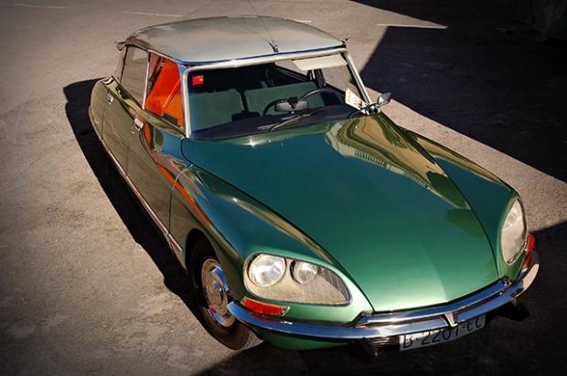 Citroen DS old car