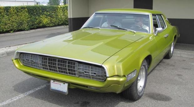 1968 Ford Thunderbird muscle car
