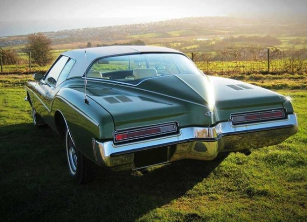 1972 Buick Riviera muscle car