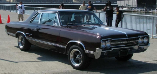 1965 Oldsmobile 442 muscle car