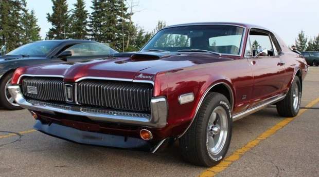 1968 Mercury Cougar XR7 muscle car