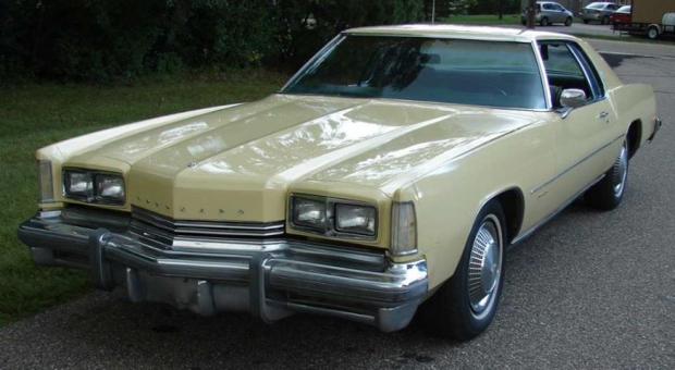 1973 Oldsmobile Toronado old car