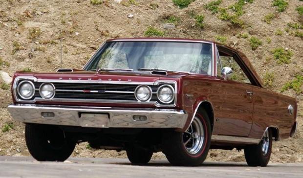 1967 Plymouth Belvedere GTX 426 Hemi muscle car