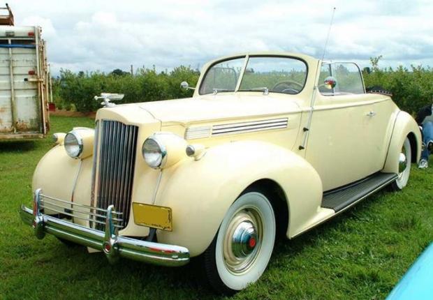 1939 Packard Super Eight convertible