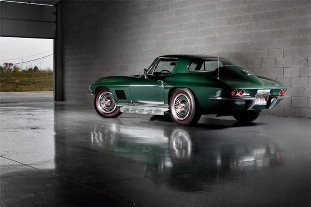 1967 Chevrolet Corvette Sting Ray sports car