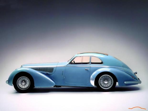 Alfa Romeo 8C sports car
