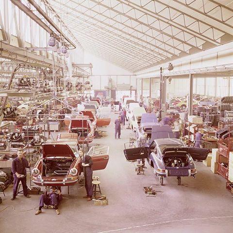 Porsche 911 Factory 1970 sports car