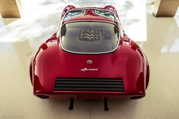 Alfa Romeo T33 Stradale sports car