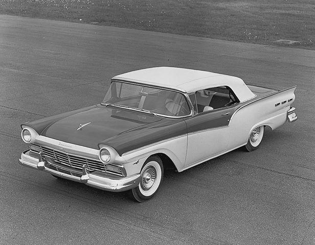 1957 Ford Sunliner old car