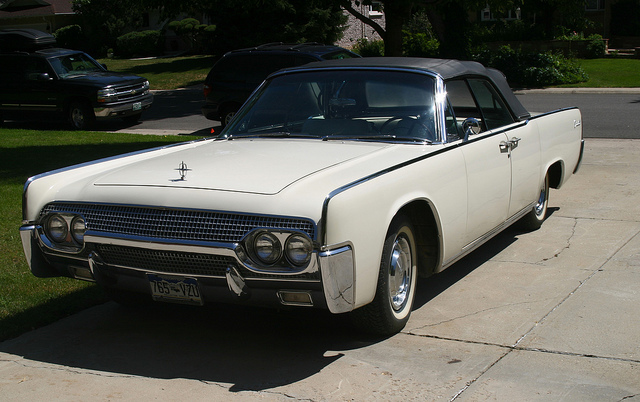 1961 Lincoln Continental, old car