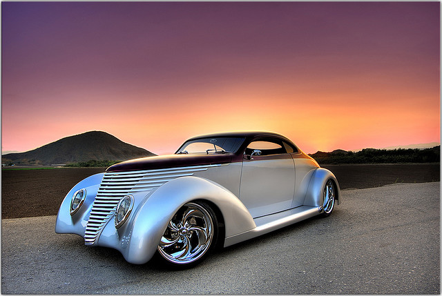 1937 Ford, old car