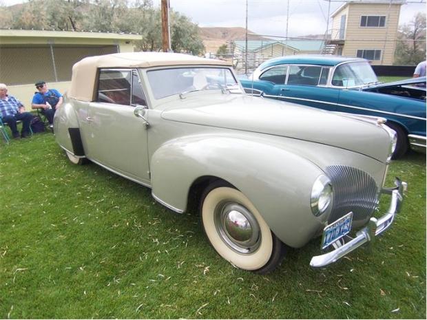 1940 Lincoln Zephyr convertible