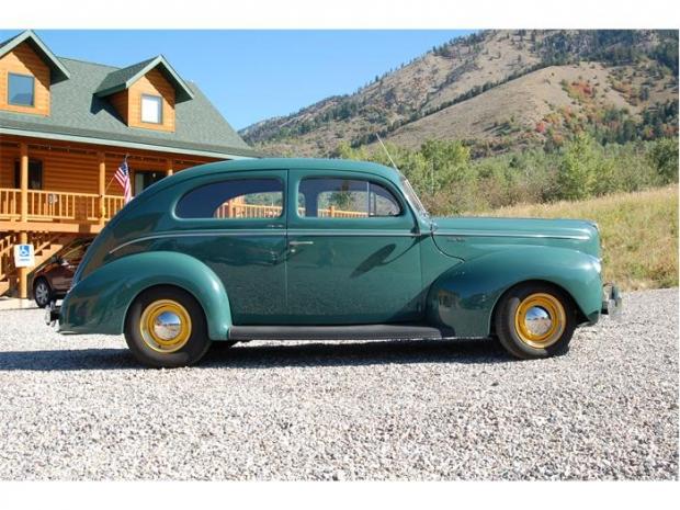 1940 Ford Tudor old car