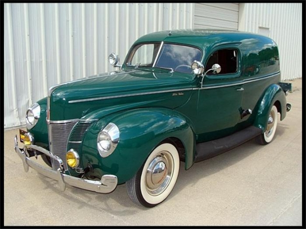 1940 Ford Deluxe old car