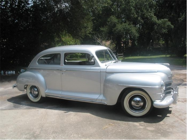 1946 Plymouth Special Deluxe old car