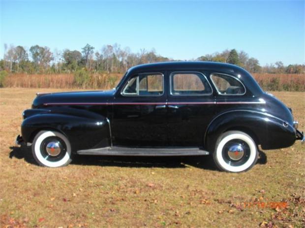 1940 Oldsmobile 60 Series old car