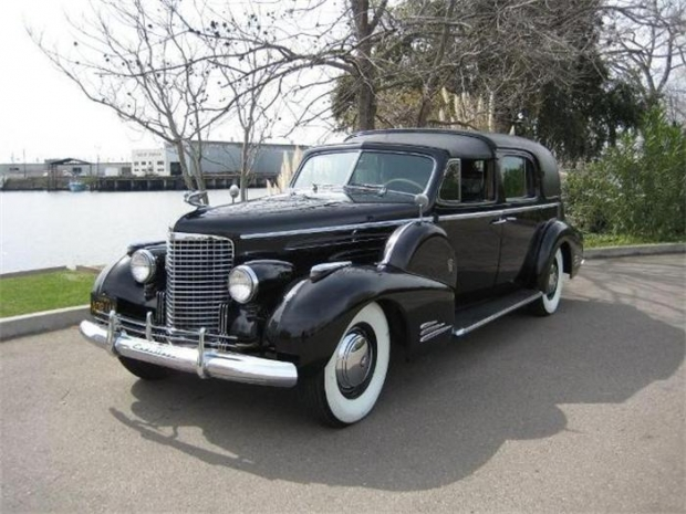 1940 Cadillac V-16 old car