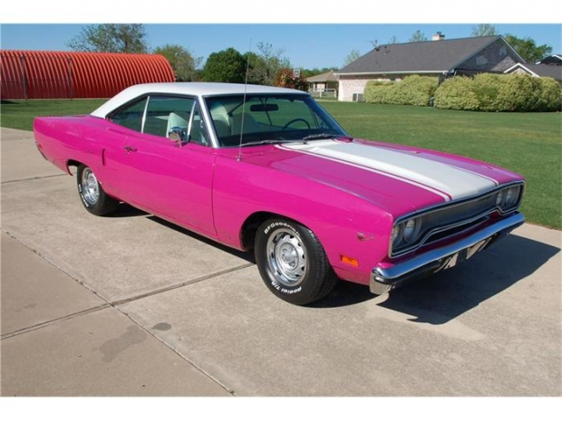 1970 Plymouth Road Runner muscle car