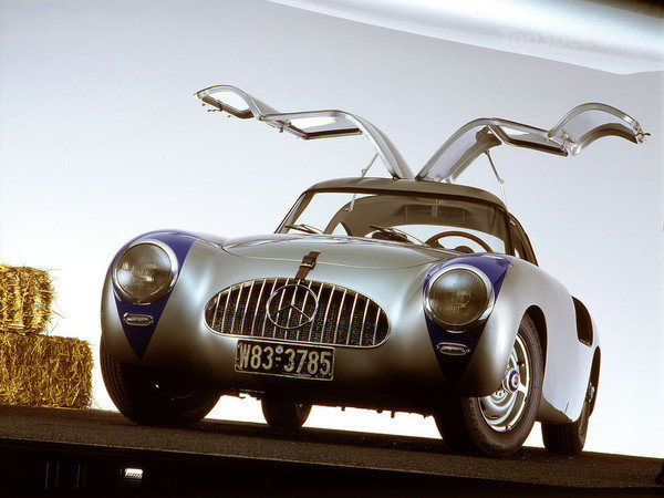 1957 - 1962 Mercedes 300SL Gullwing sports car