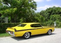 71 Buick GS Stage 1 Yellow-5