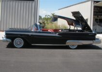 1959 Ford Fairlane 500 Skyliner Retractable Hardtop   Old Car