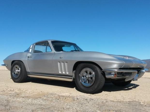 C2 Corvette Stingray sports car