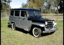 1952 Willys Wagon | Old Car