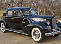 1940 Packard 180 Super Eight Custom Club Sedan | Old Car