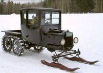 Ski Mobile | Vintage Car