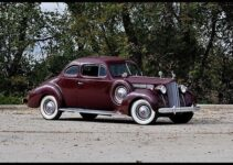 1939 Packard 120 Club Coupe | Old Car