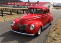 1939 Ford Coupe | Old Car