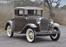 1930 Ford Model A Coupe | Old Car