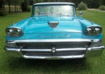 1958 Ford Fairlane 500 | Old Car