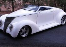 1937 Ford Custom Roadster | Old Car