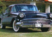 1957 Buick Roadmaster | Old Car