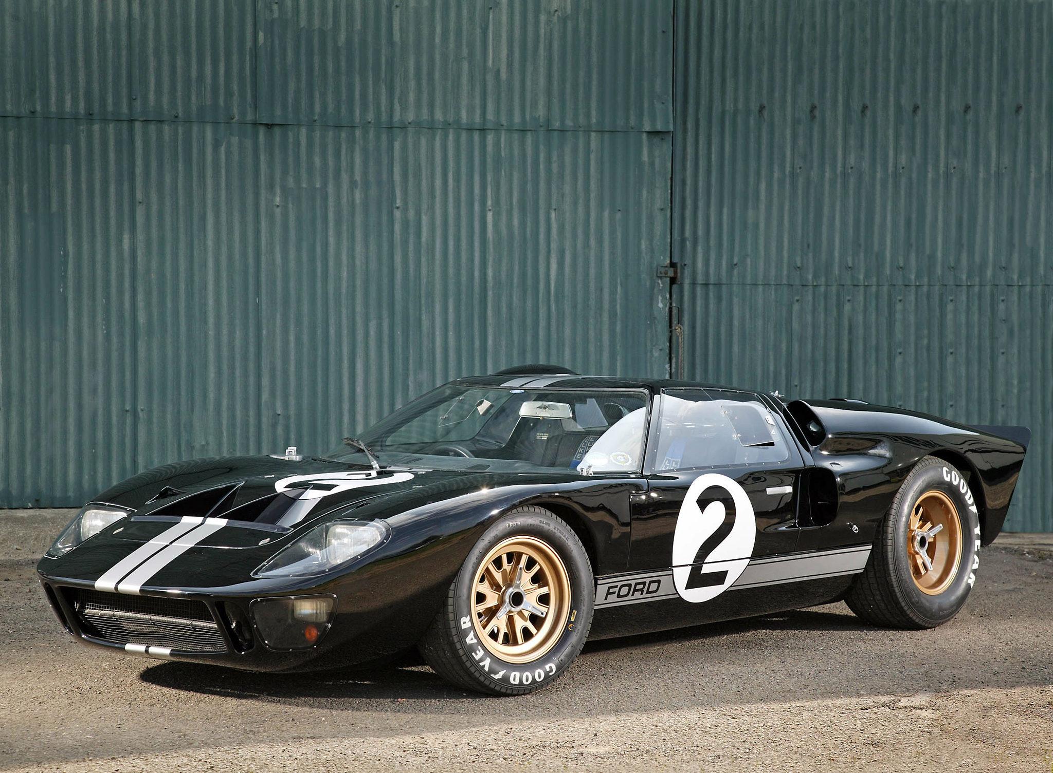 1966 Ford GT40 Le Mans Race Car