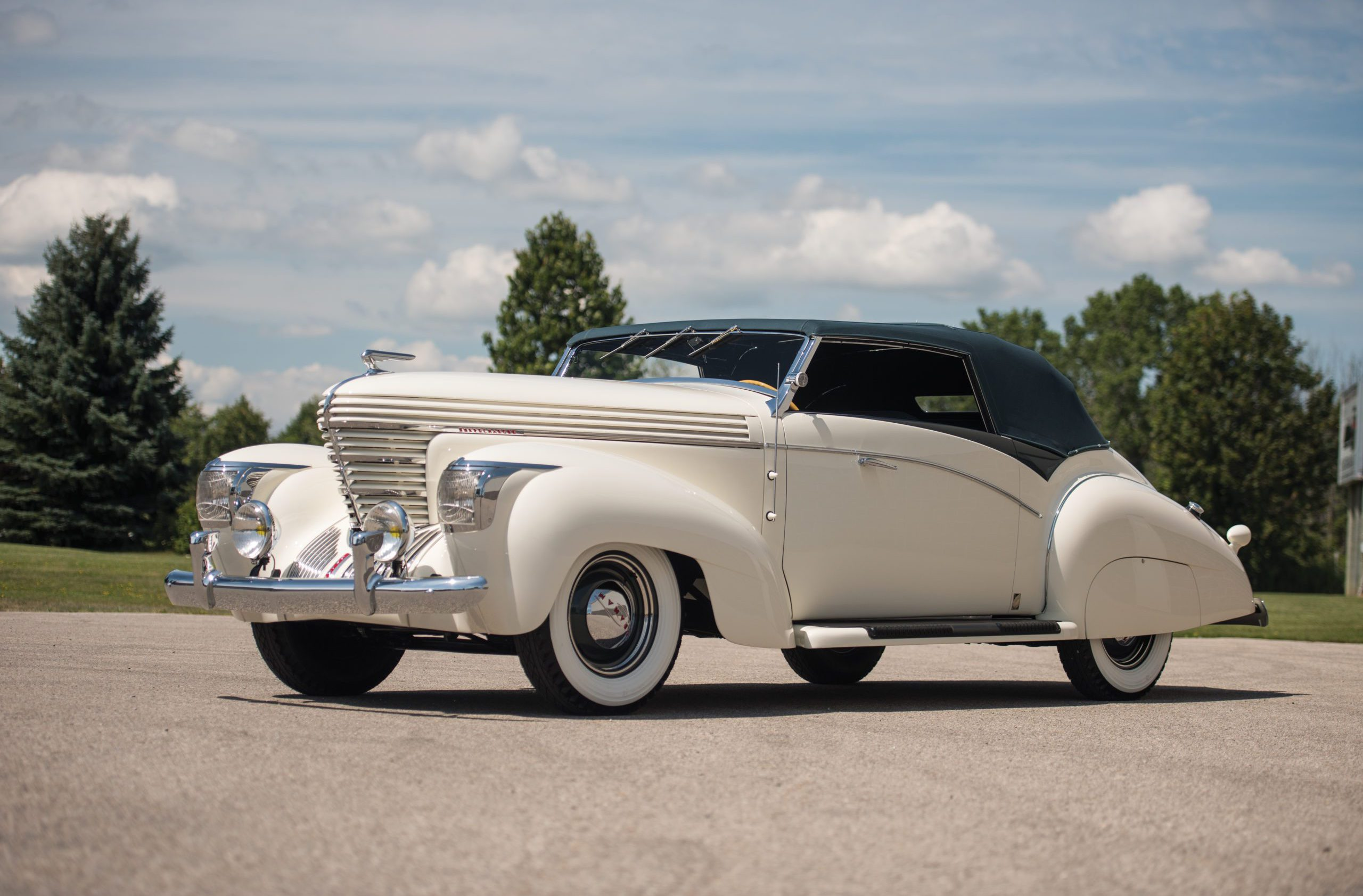 1938 Graham-Paige Model 97 Supercharged Cabriolet by Saoutchik